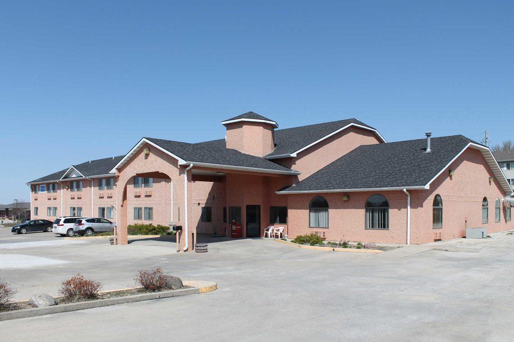 Rodeway Inn: 800 Senate Ave, Red Oak, IA
