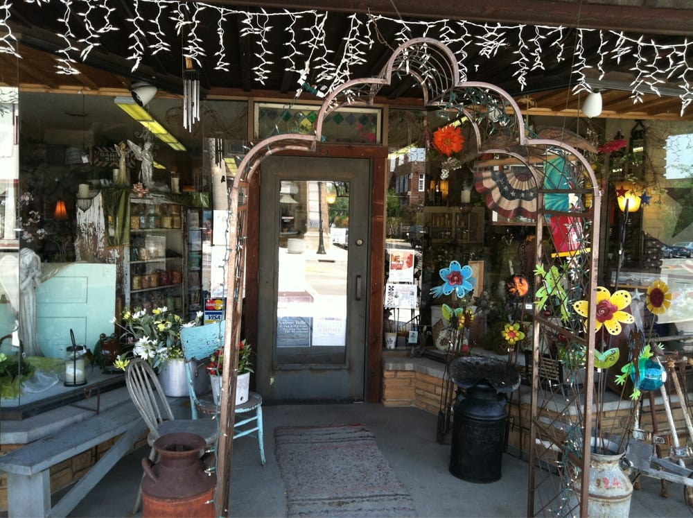 Back Porch Boutique: 2001 S Central Ave, Marshfield, WI