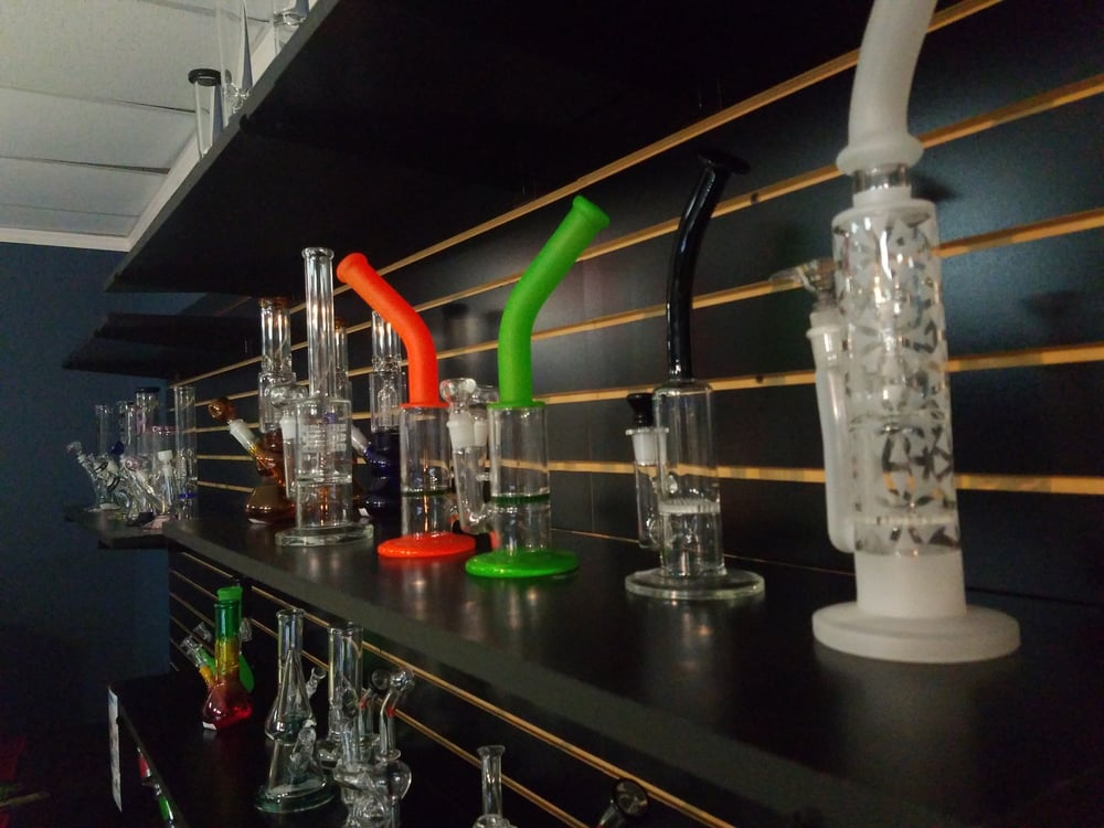 EaDo Glass & Smoke Shop: 1014 Saint Emanuel St, Houston, TX