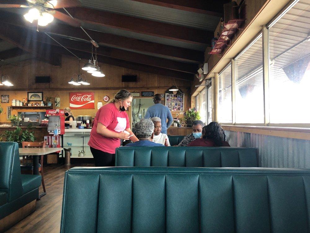 Lavender's Barn: 4703 Hwy 65 S, Pine Bluff, AR