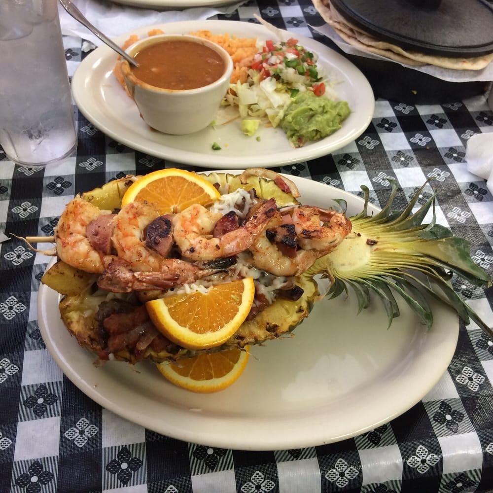 El Alteno Mexican Grill: 9356 US Hey 87 W, La Vernia, TX