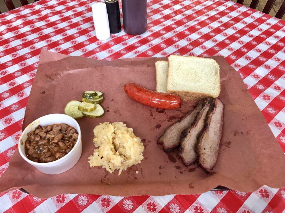 Garner Street Meat Market and Barbecue: 105 W Garner Dr, Detroit, TX
