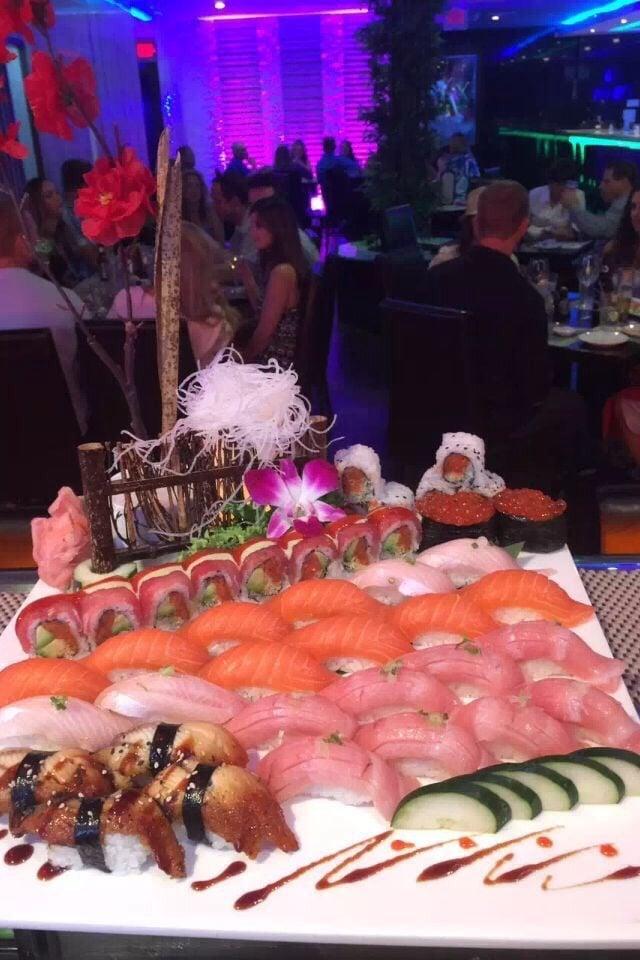 Umi Japanese Steakhouse & Sushi Bar: 315 Hwy 12 W, Starkville, MS