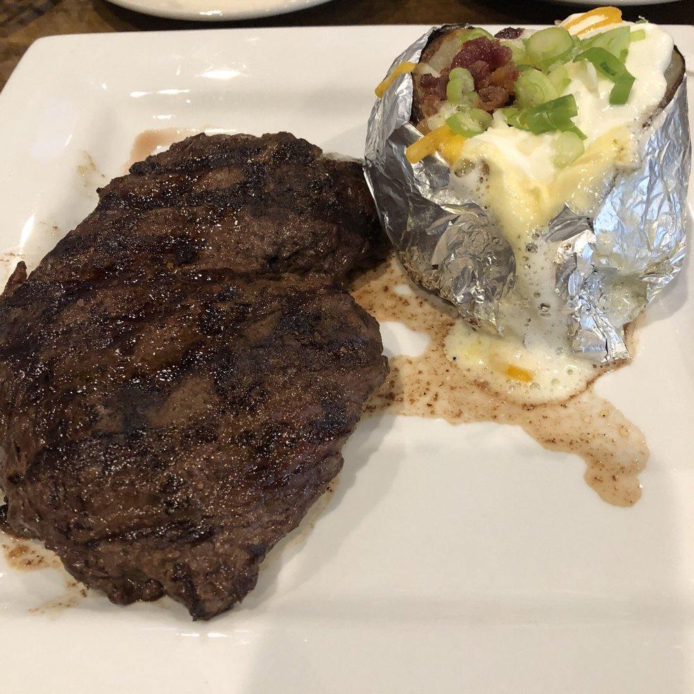 Black Stallion Steakhouse: 1215 N Main St, Monticello, KY