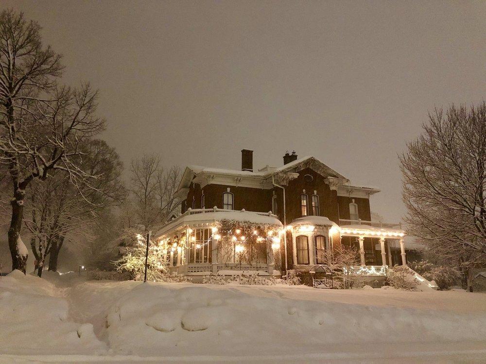 Pratt Taber Inn Victorian B & B: 706 W 4th St, Red Wing, MN