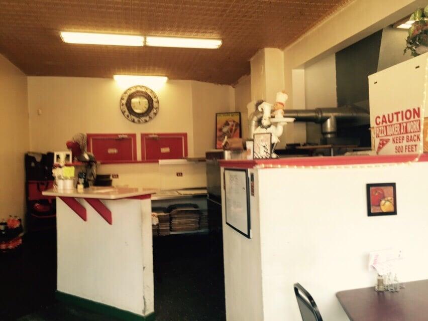 Rosa's Italian Restaurant: 130 W Main St, Capron, IL