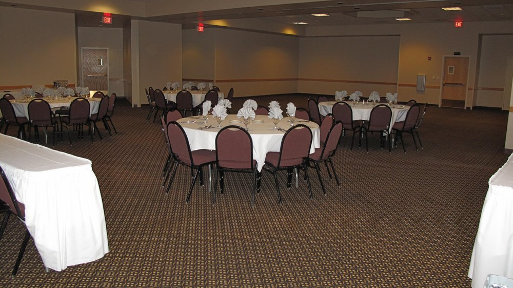 Grand River Casino & Resort: 2 Miles West Hwy 12, Mobridge, SD