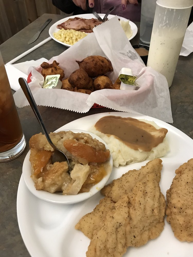 Gravy Southern Eatery: 1165 Carlyle St, Calabash, NC