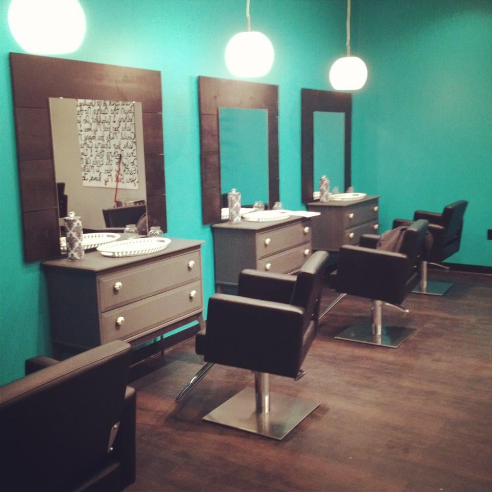 Roxanne s hair studio hair salons 3769 28th st se for Grand salon design