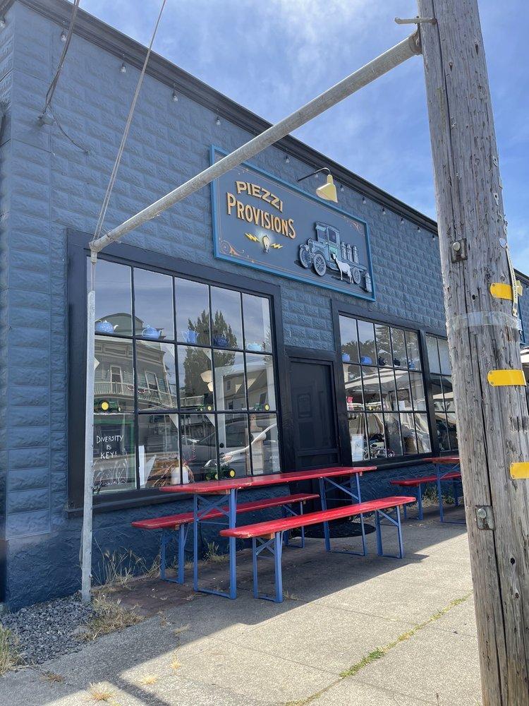 Piezzi Provisions: 27000 Shoreline Hwy, Tomales, CA