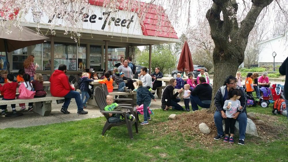 Tastee Treet: 744 E Main St, Fennville, MI