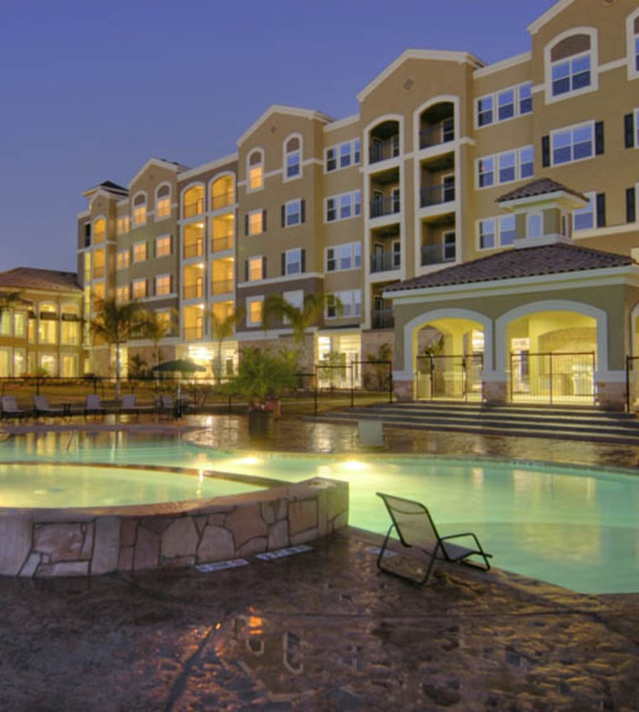 Apartments In The Woodlands Tx: The Abbey On Lake Wyndemere