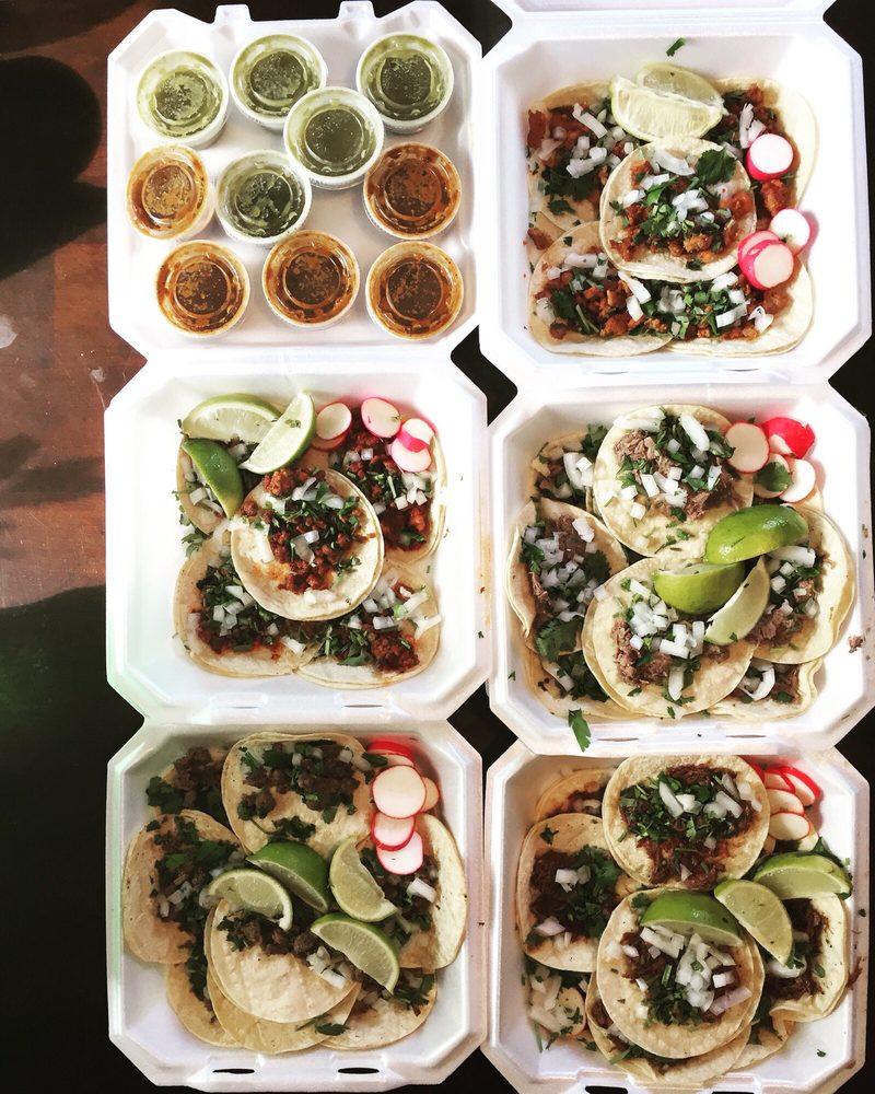 Tacos Degollado: 1817 University Ave, Des Moines, IA