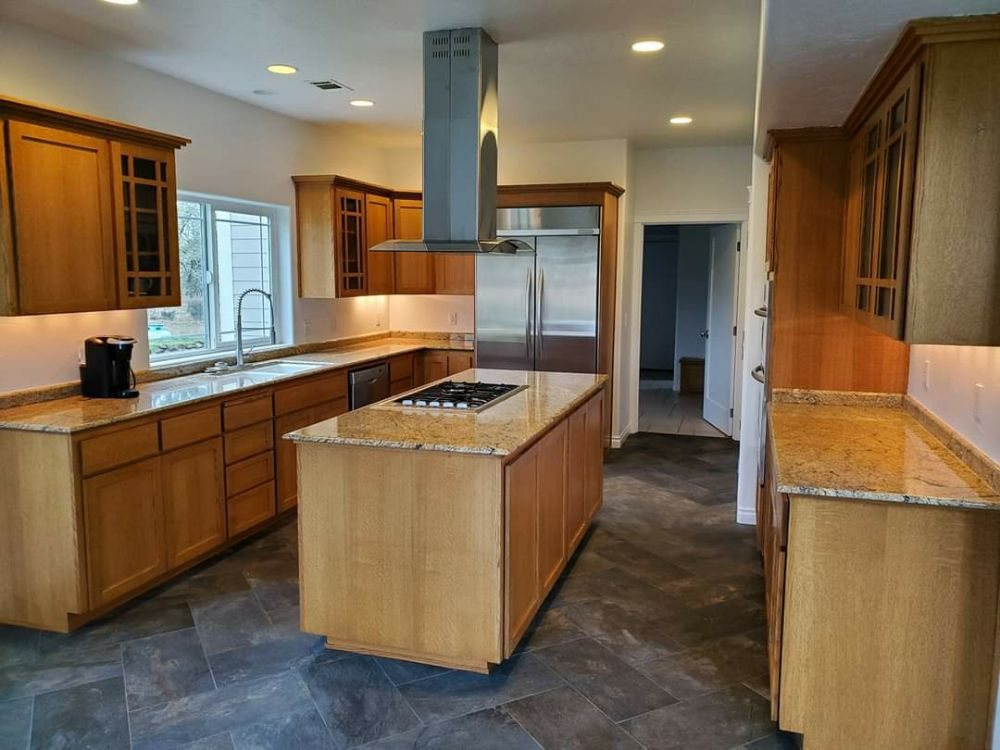 Kenneth Day Construction: 60 Allen Ln, Talent, OR