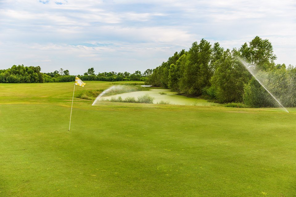 Sugarland Country Club: 812 40 Arpent Rd, Raceland, LA