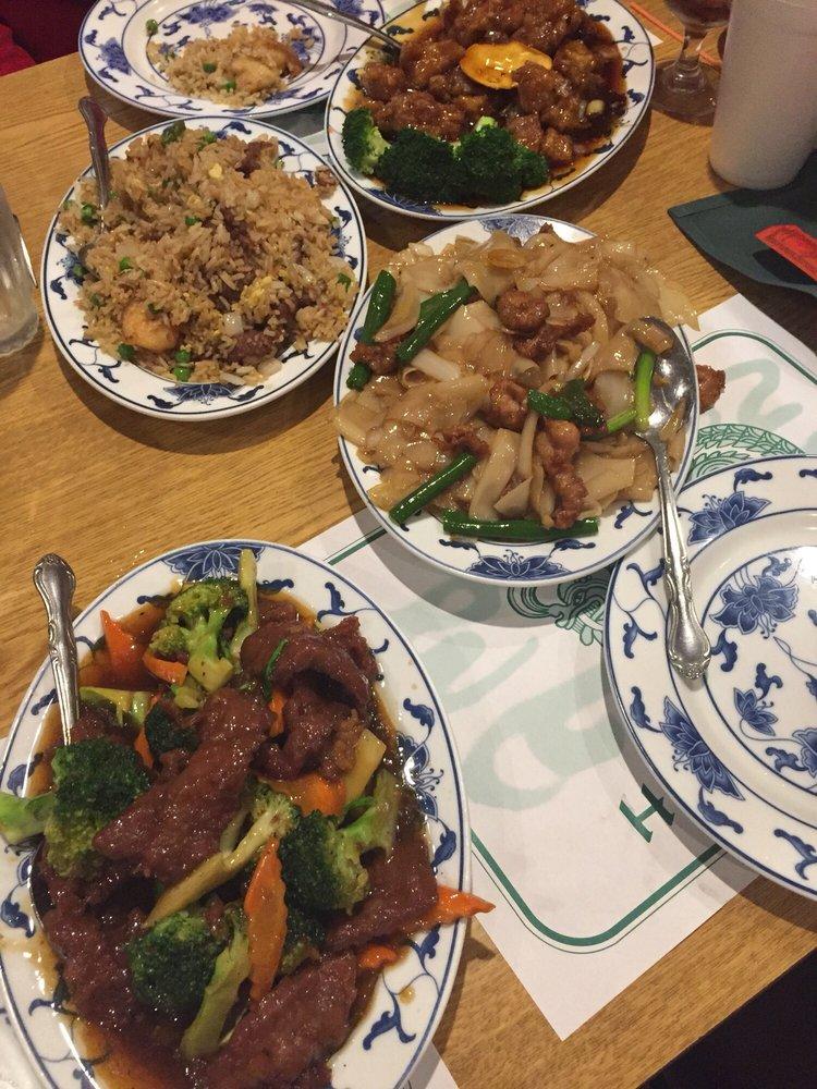 Beef broccoli chow fun fried rice orange flavor chicken yelp for Hunan gardens chinese restaurant