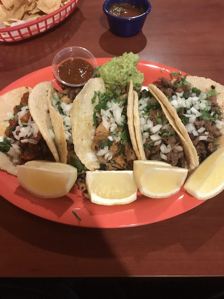 Chepe's Mexican Resturant: 212 Bear Mountain Blvd, Arvin, CA