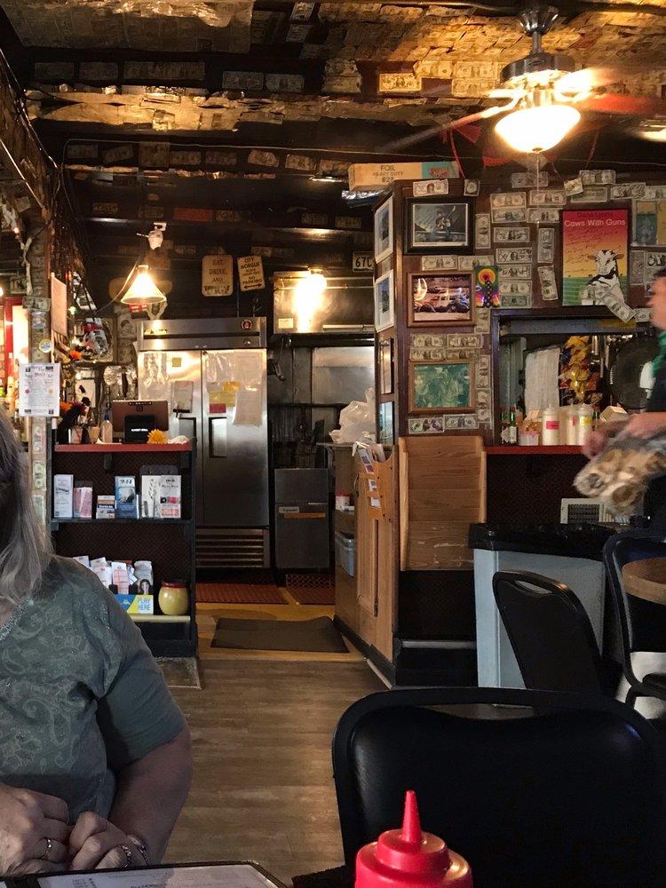 Sunset Bar & Grill: 22250 W Highway 220, Alcova, WY