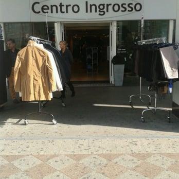 Centro ingrosso abbigliamento maschile centro for Centro ingrosso arredamenti di firma