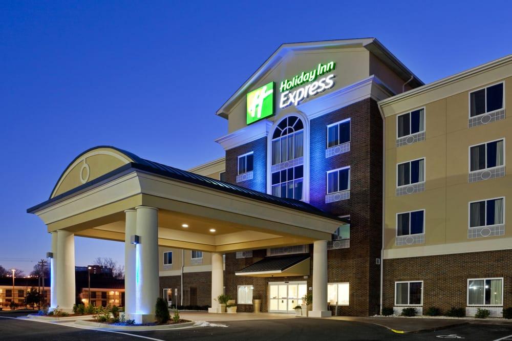 Holiday Inn Express & Suites Statesville: 939 N Carolina Ave, Statesville, NC