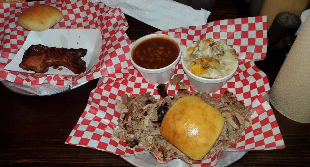 The Smokin Pig: 1696 Evergreen Rd, Anderson, SC