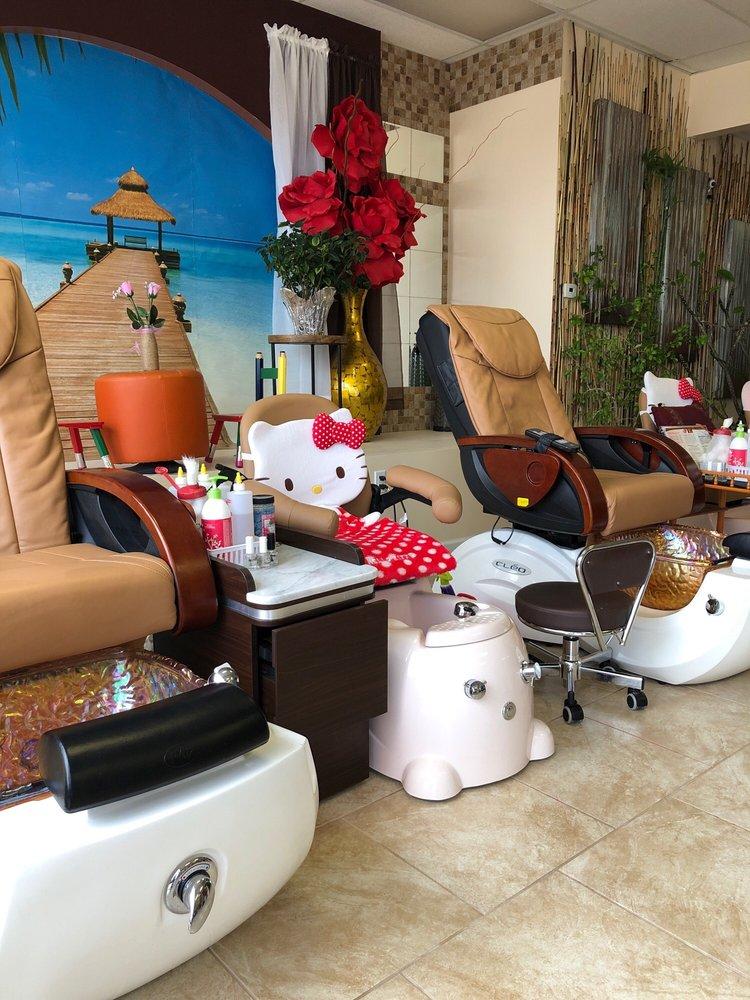 Luxe Nails & Spa: 7011 W Central Ave, Wichita, KS