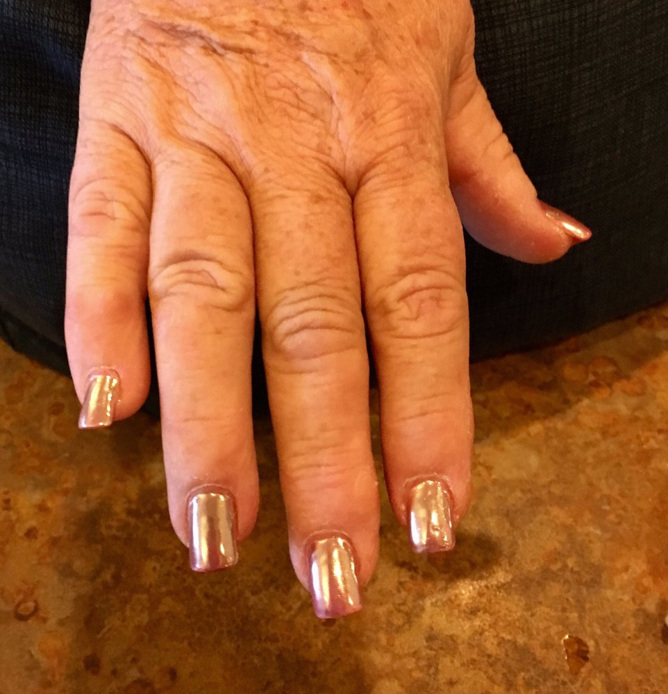 Le's Nails: 144 E Main St, Bloomsburg, PA