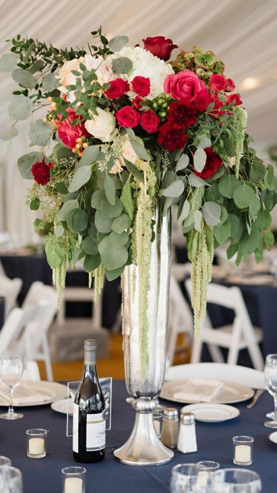Creative Custom Flowers: 611 Larry Power Rd, Bourbonnais, IL