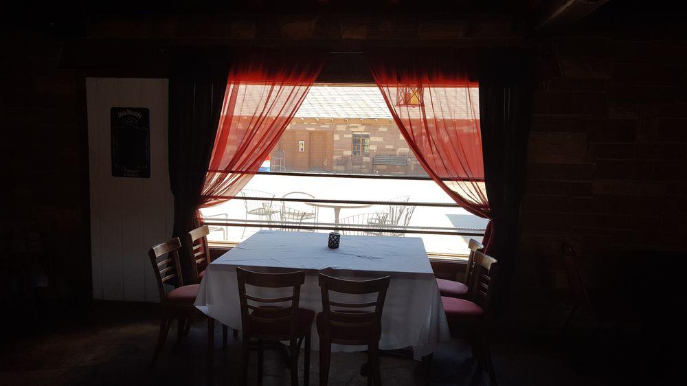 Oxbow Inn: 607 W Main St, Payson, AZ