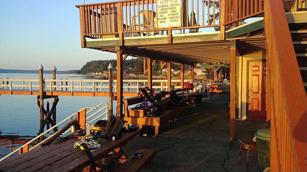 Sunrise Motel & Resort: 24520 Hwy 101, Hoodsport, WA