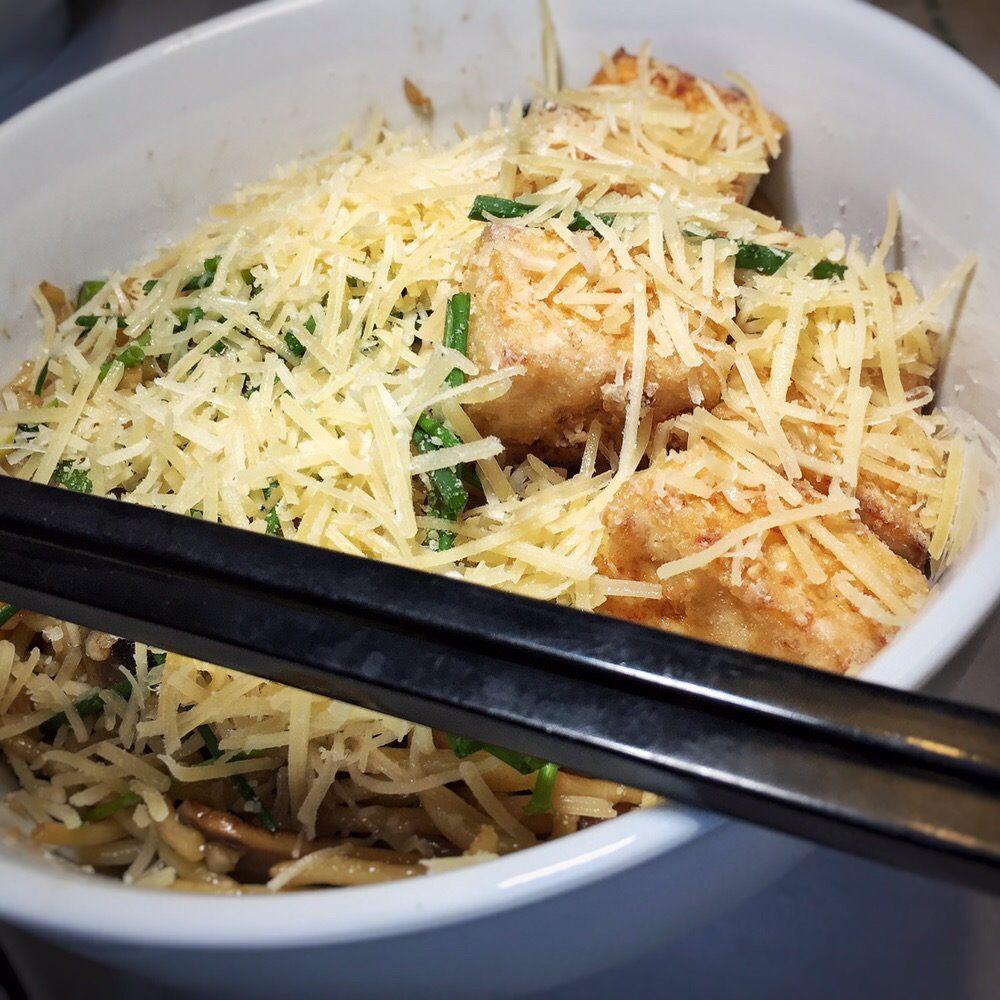 Nonla Vietnamese Street Food: 24050 Front Ave, Mattawan, MI