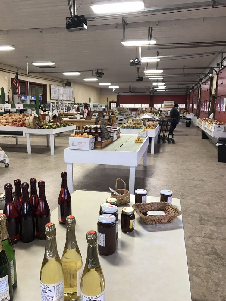 Peters Orchards: 10540 Carlisle Pike, Gardners, PA