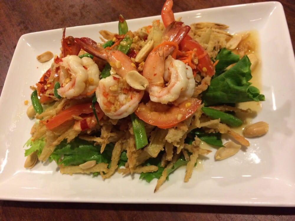 Thai crispy papaya salad is so good yelp for Arlington thai cuisine