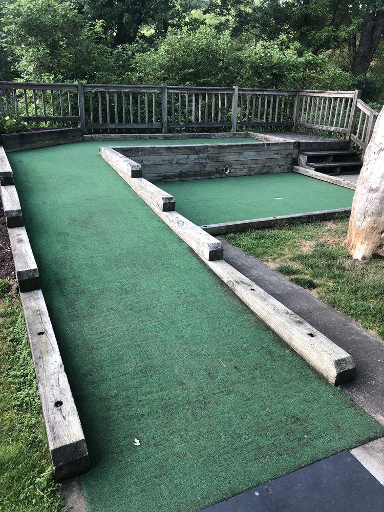 North Park Miniature Golf: 865 E Ingomar Rd, McCandless, PA