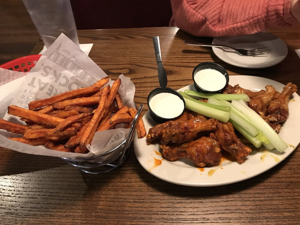 Wild Wing Cafe: 311 Jesse Jewell Pkwy, Gainesville, GA