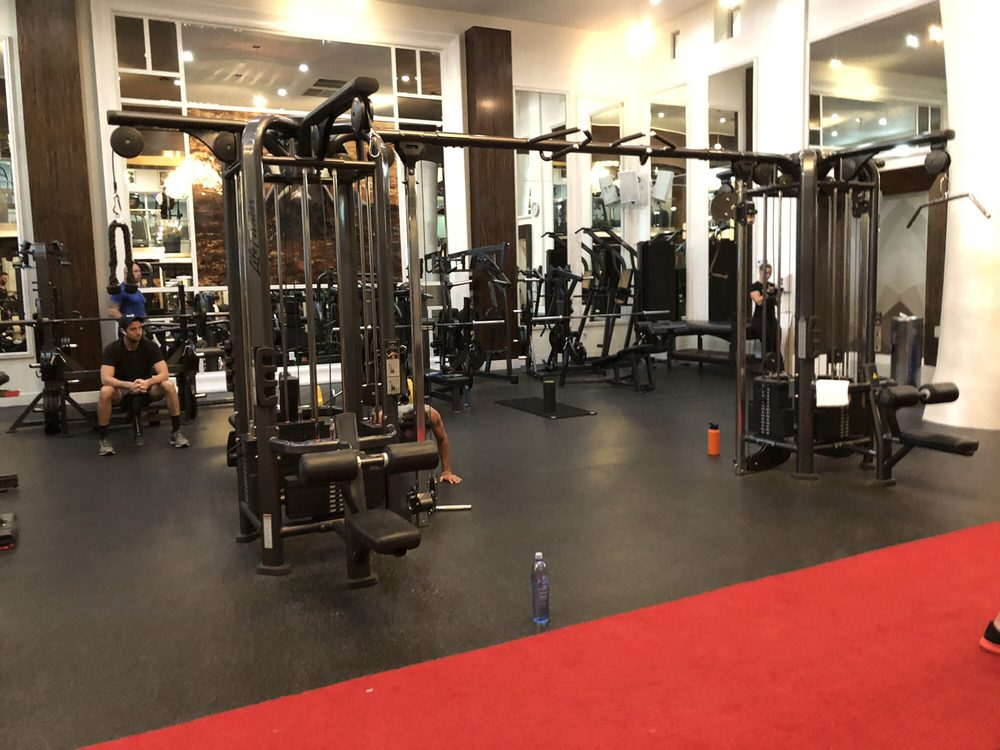 Boutique gyms like crossfit and pure barre are raking in billions