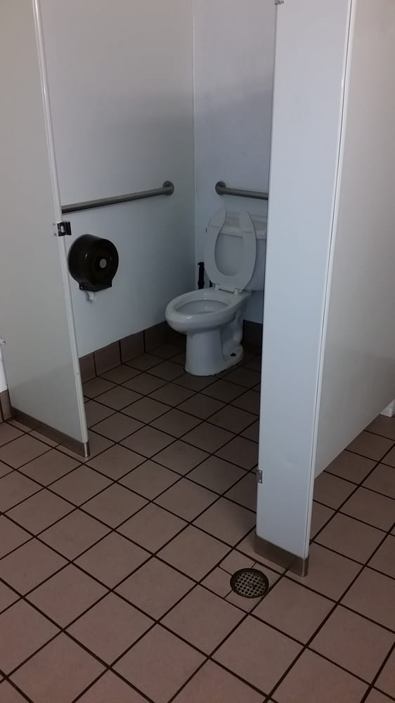 Horrible No Door No Privacy In Taco Bell Bathroom Seriously Taco Bell Franchisee Grow The F