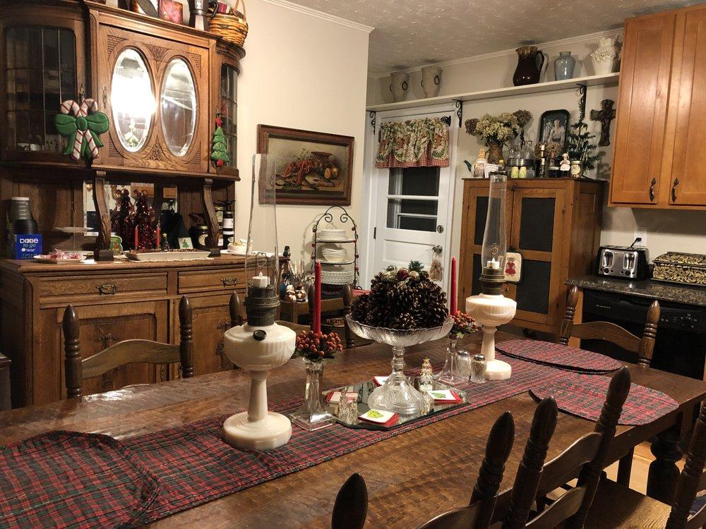 The Ashe Farm: 1370 Rector Corner Rd, Marshall, NC