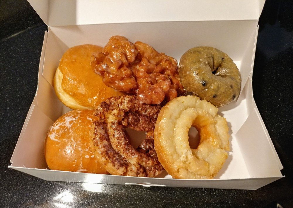 The Donut Palace: 600 E Sandy Lake Rd, Coppell, TX