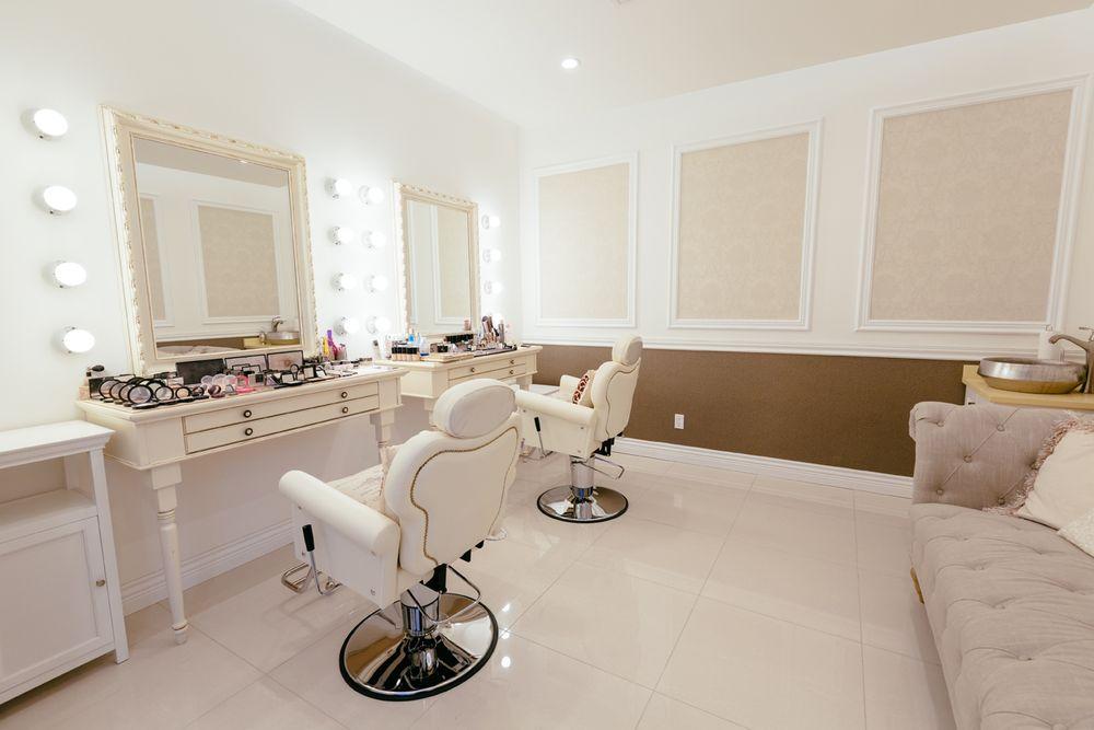 Juillet Wedding Makeup room - Yelp on Make Up Room Design  id=66322