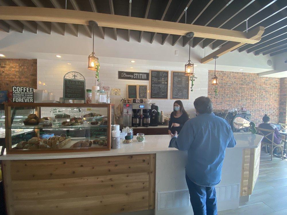 Dean's Coffee: 39 E Central Ave, Pearl River, NY