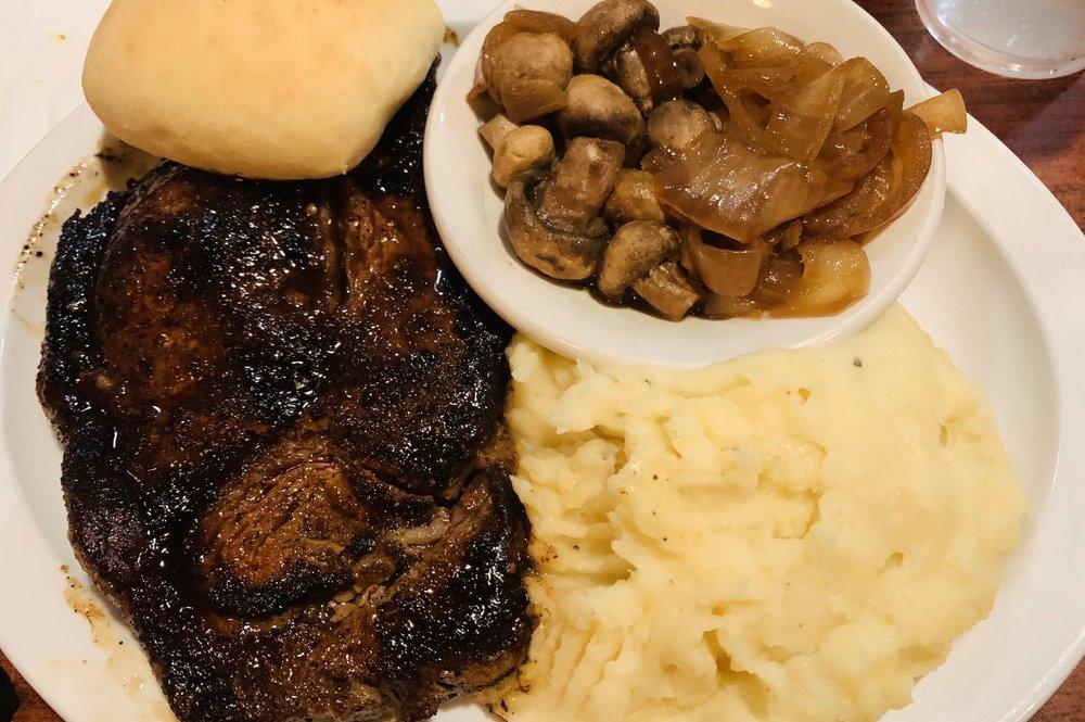 Hunter's Pub and Steakhouse: 11269 Ga Hwy 219, Hamilton, GA
