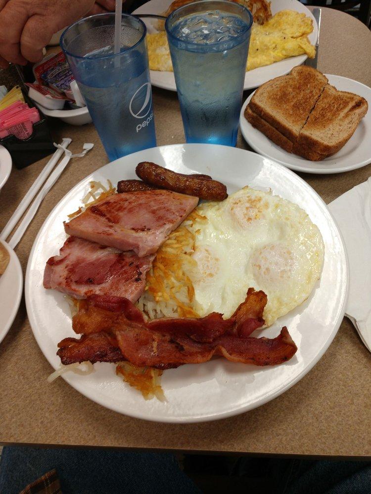 Lasko's Restaurant: 3966 E Wilder Rd, Bay City, MI