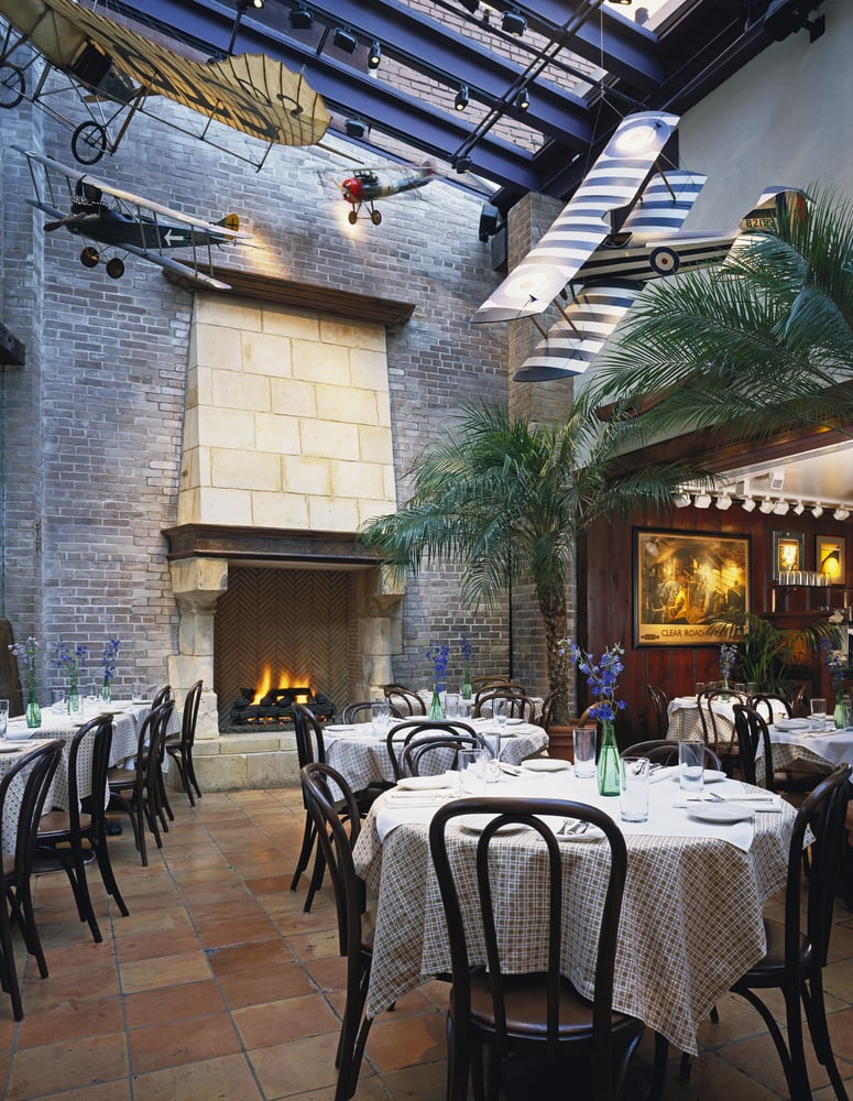 Clyde's of Georgetown - Washington, DC, United States. Atrium Dining Room at Clyde's of Georgetown
