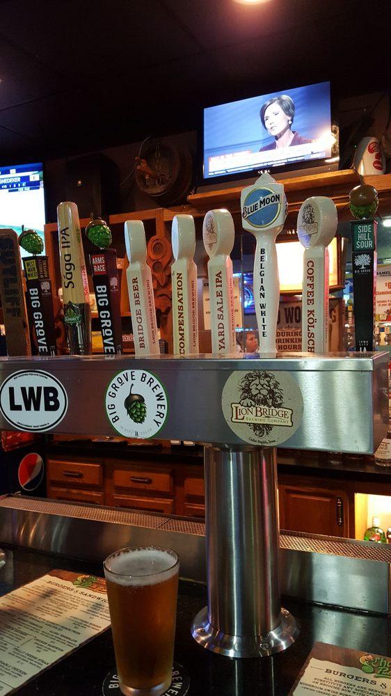 Chameleon's Pub & Grub: 119 1st St W, Mount Vernon, IA