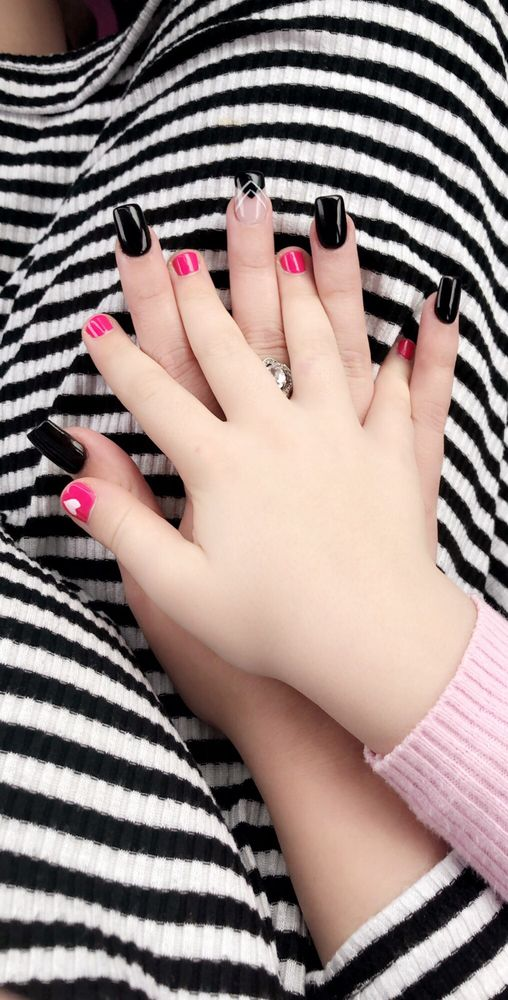 Luxy Nails: 2574 County Rd 220, Middleburg, FL