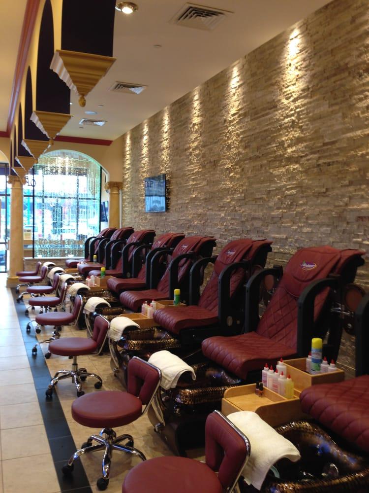 Ambiance Nail Salon & Spa III: 3831 Edwards Rd, Cincinnati, OH