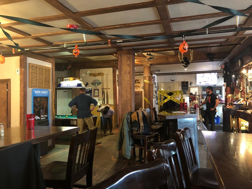 HIWAY 40 Grill & Lodge: 136 E Jefferson Ave, Hayden, CO