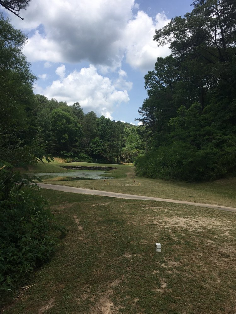 Mountain View Golf Course: 3200 Mountain View Dr, Graysville, AL