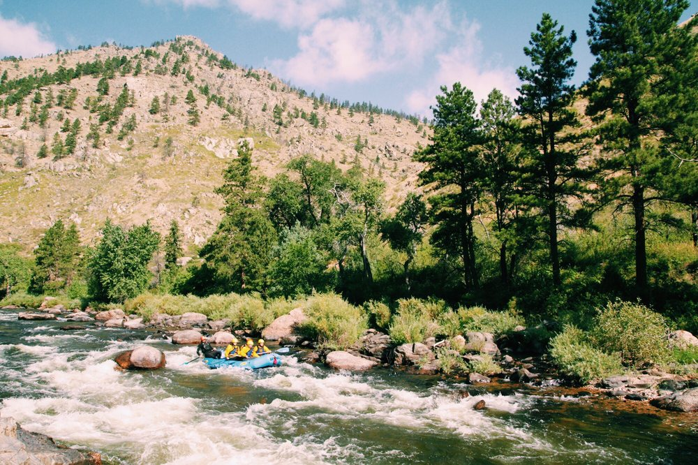 Mountain Whitewater & Paddler's Pub: 1329 N US Hwy 287, Fort Collins, CO